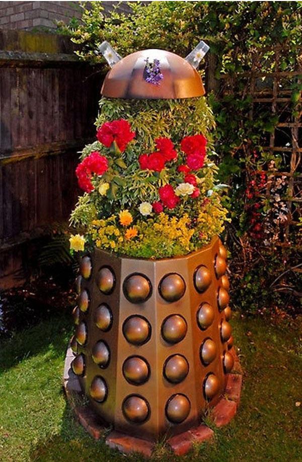 Geek Planter Ideas -- Home and Family -- Dalek --- We Do Geek.jpg